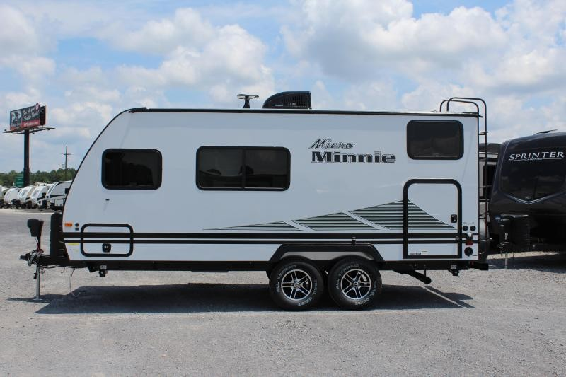 2020 Winnebago Micro Minnie 1800BH 21' 11