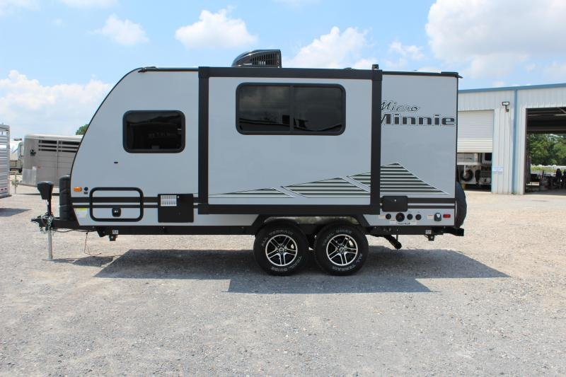 2020 Winnebago Micro Minnie 1808FBS 20' Travel Trailer