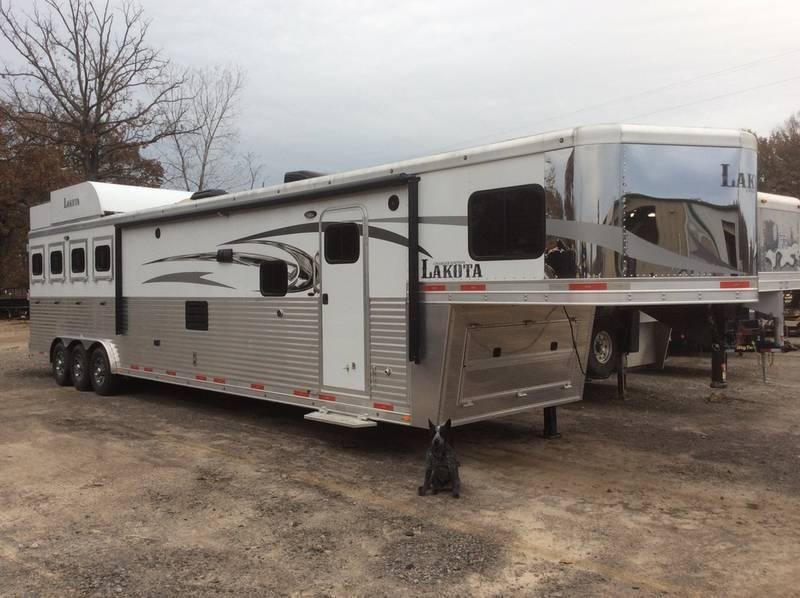 2016 Lakota Trailers 4H 17' LQ Charger Edition C8417T