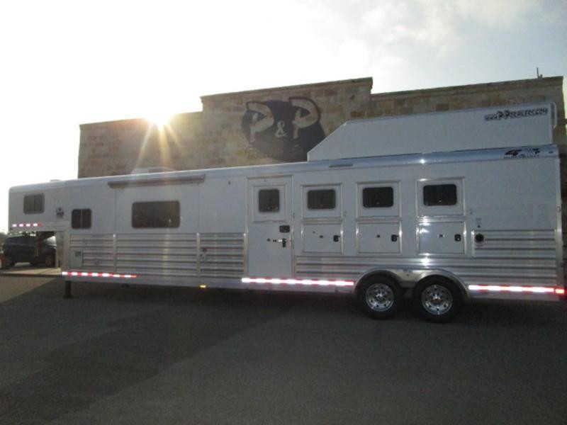 "2018 4-Star Trailers 4 Horse 15'4"" Short Wall With Slide-Out"