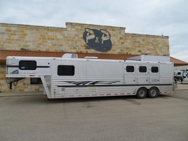 2000 Bloomer Trailers 3 Horse 13' SW
