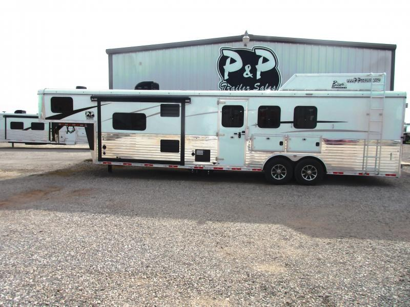 2019 Bison Ranger 3 Horse 11' Livingquarter side load
