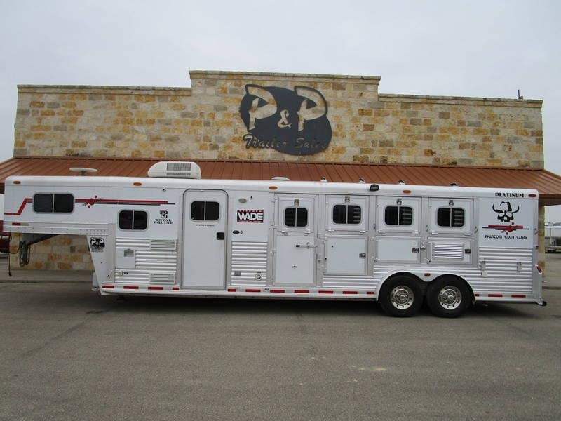 2004 Platinum Coach Trailers 4 Horse 10 Ft Short Wall