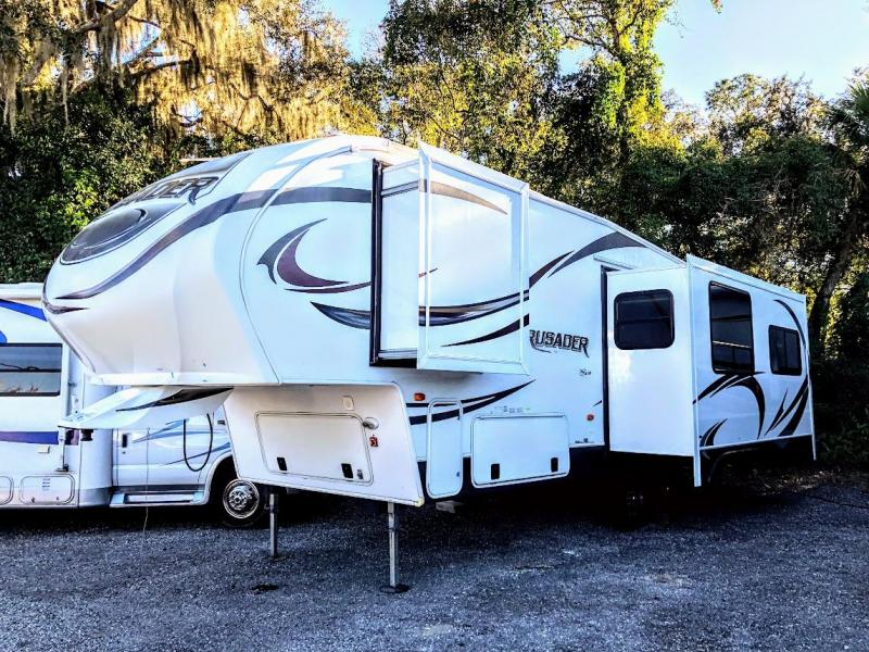 2013 Prime Time Crusader 260 RLD Fifth Wheel Travel Trailer