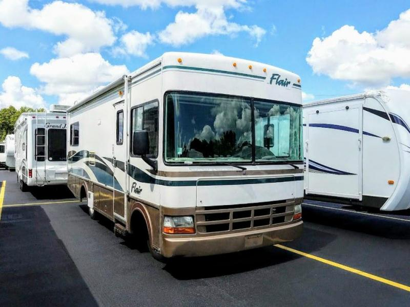 1999 !!!PENDING SALE!!!  Fleetwood RV Flair 25Y Class A RV