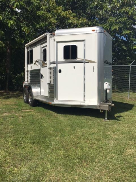 2015 4-Star Trailers 4 Star 2H Straight Load Bumper Pull Horse Trailer
