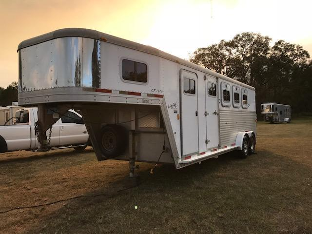 2003 4H Exiss Trailers XT 400 Horse Trailer