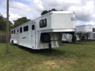 2019 Trailers USA Inc. 4H Head to Head Horse Trailer