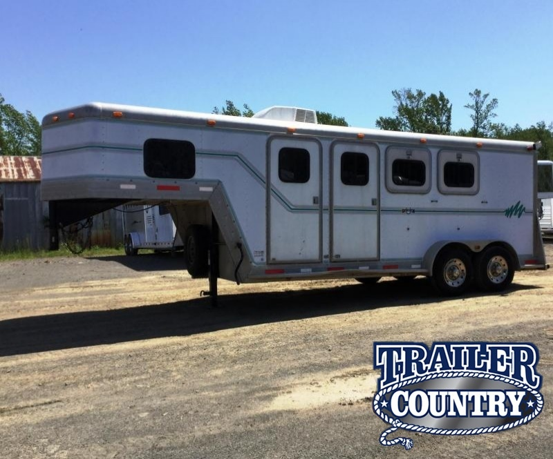 2000 Side Kick 3H SLANT Horse Trailer***JUST REDUCED***