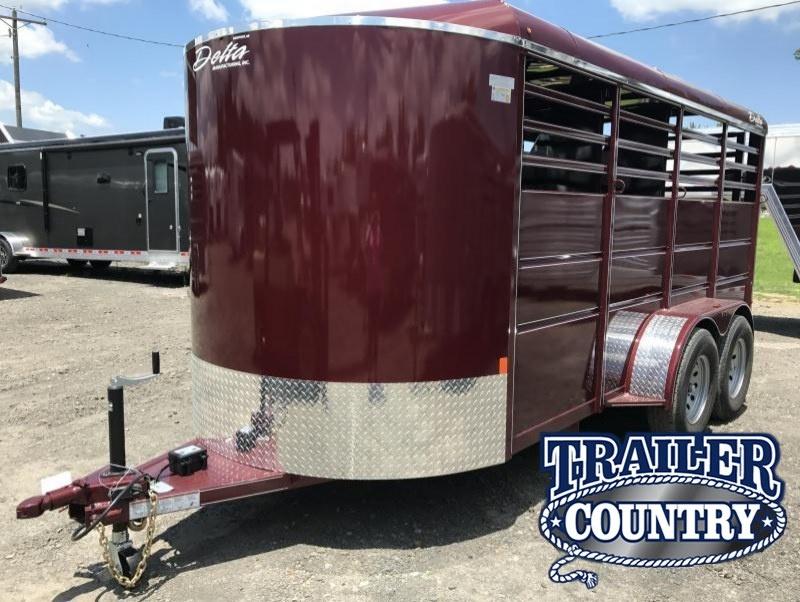 16' Delta Bumper Pull 3 Horse Slant Trailer-Dressing Room