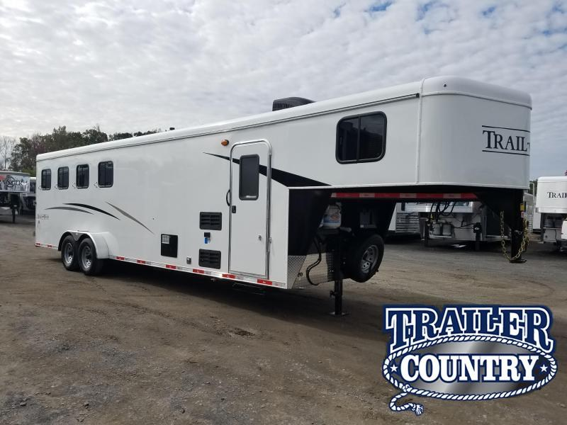 2019 Bison Trailers 7409 TRAIL HAND Horse Trailer