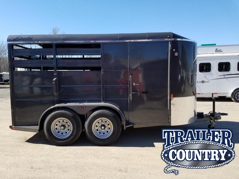 2019 Delta Manufacturing 14 FT 500ES Horse Trailer