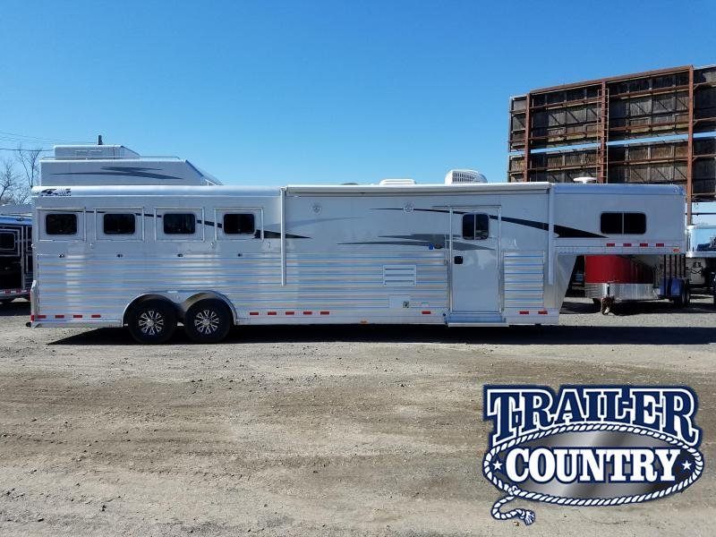 2019 4-Star Trailers 4 HORSE LIVING QTRS Horse Trailer