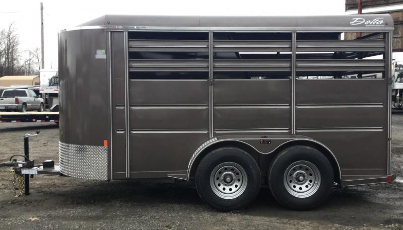 2016 Delta Manufacturing DELTA 500ES 2H SLANT BP Horse Trailer