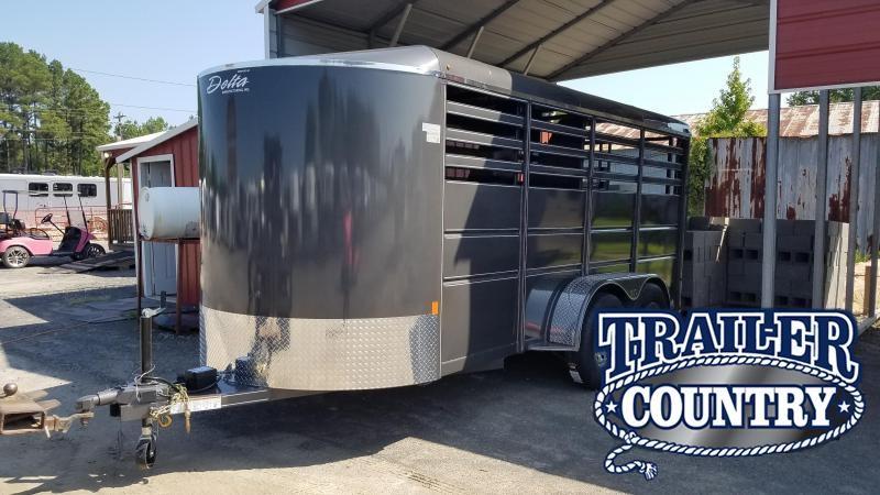 2020 Delta Manufacturing 500ES 3 HORSE Horse Trailer