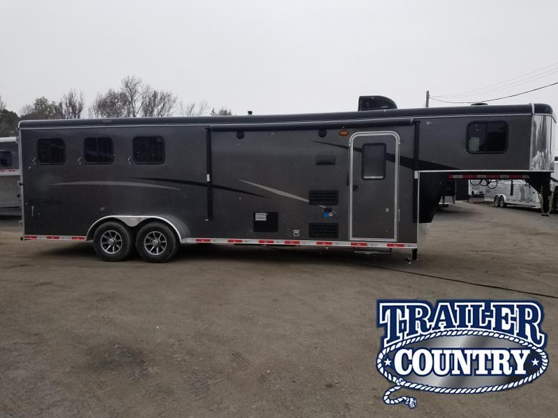 2019 Bison Trailers 3 HORSE TRAIL HAND Horse Trailer