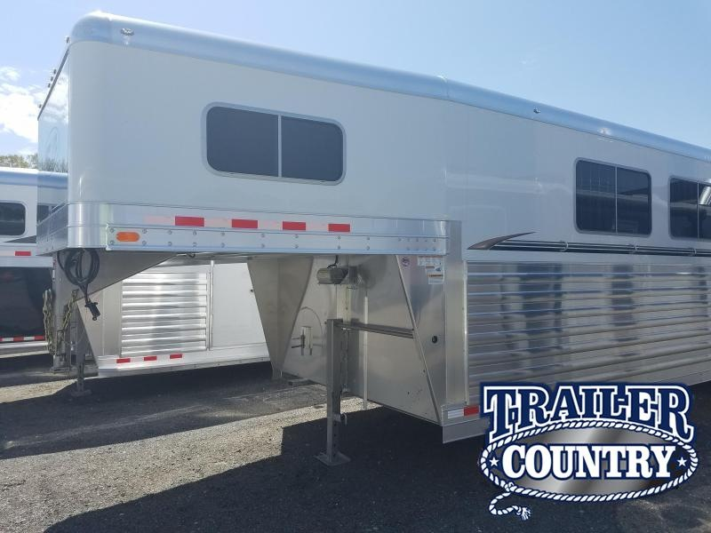 2018 Four Star 6 HORSE HEAD TO HEAD Horse Trailer