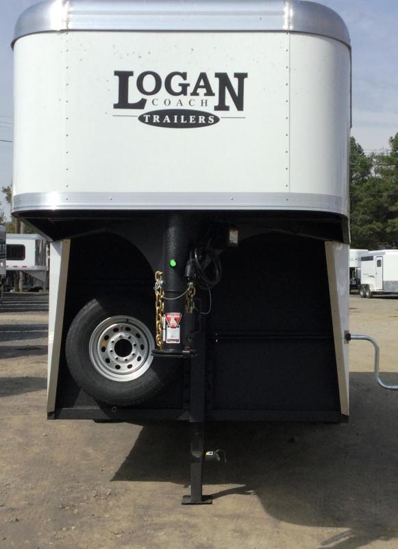 2017 Logan Coach Cross Fire 4 Horse GN Trailer***OR BEST OFFER***