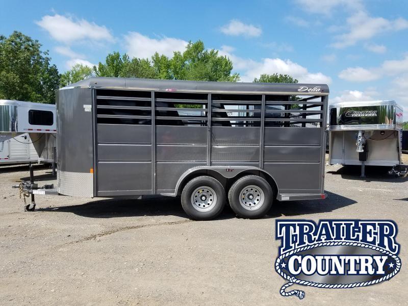 2018 Delta Manufacturing 500ES 3H BP Horse Trailer