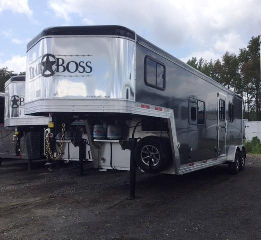 2018 Bison Trailers 2018 BISON 7208TB 2 HORSE TRAIL BOSS W/LIVING QUA Horse Trailer