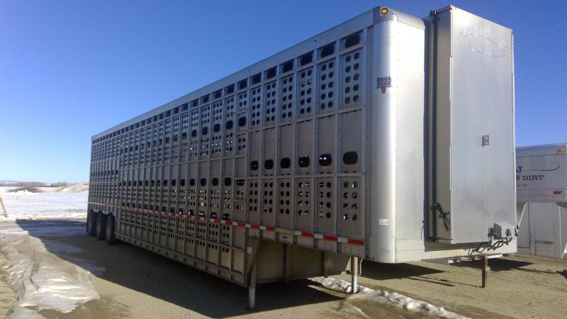Used 2016 Eby 53' Bullride Livestock Semi Trailer
