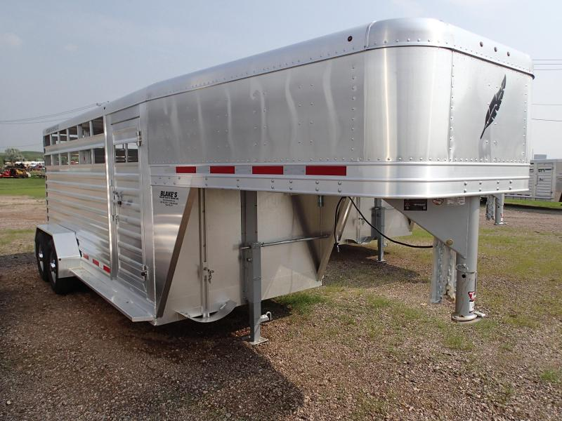 2016 Featherlite 8117-6716 Livestock Trailer