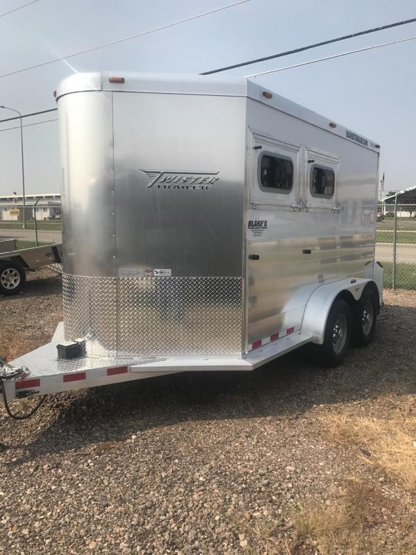 2018 Twister 2 Horse Trailer