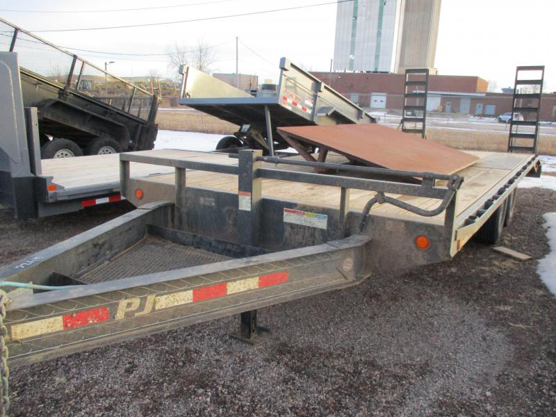 2015 PJ Trailers  Flatbed Trailer 8