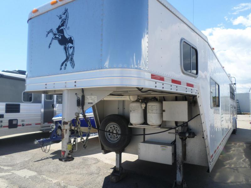 2007 Featherlite 4 Horse Horse Trailer