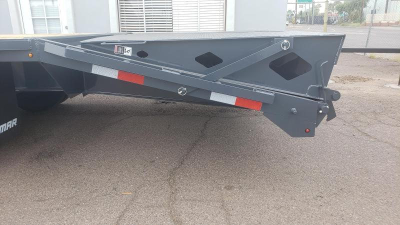 2019 Lamar Trailers FD-12k-30-MR Flatbed Trailer