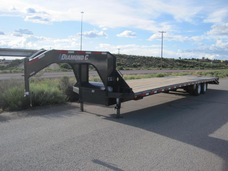 2019 Diamond C Trailers Fmax-212-40-MR-EOH Flatbed Trailer