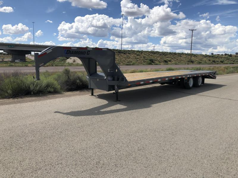 Diamond C Trailers Fmax Gooseneck- 32 foot- 12,000LB Axles- 25,900#GVWR- Max Ramps- HDSS Suspension- Engineered Beam- Flatbed Trailer