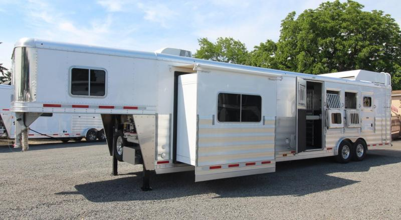 2018 Featherlite 9821 - Liberty Legend 15ft Living Quarters 4 Horse Trailer