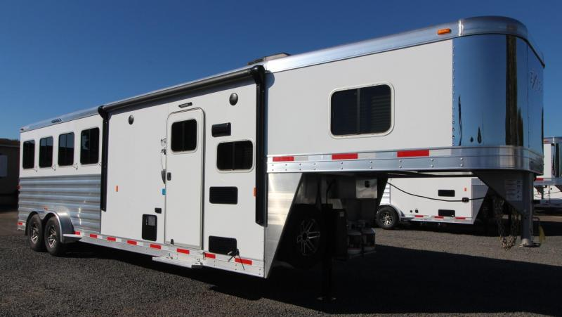 2019 Exiss Escape 7408 - 8ft SW living quarters 4 Horse Aluminum Trailer