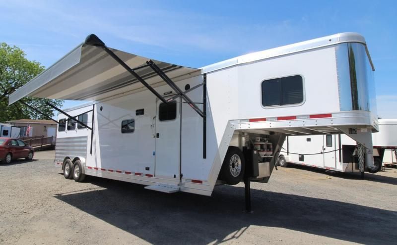 2019 Featherlite 7821 Liberty 13' Short Wall Living Quarters 3 Horse Trailer - 8' Wide - PRICE REDUCED - All Aluminum- Drop Down Feed Doors PRICE REDUCED $3000