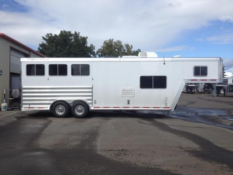 2015 Featherlite 8541 3 Horse LQ Horse Trailer