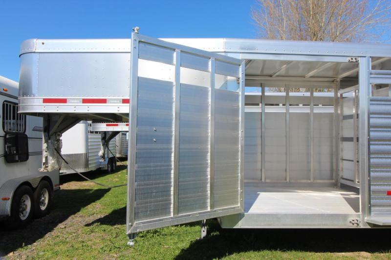 2019 Featherlite 8127 - 24ft Livestock Trailer w/ 2 Center Gates & Sliding Sort Doors