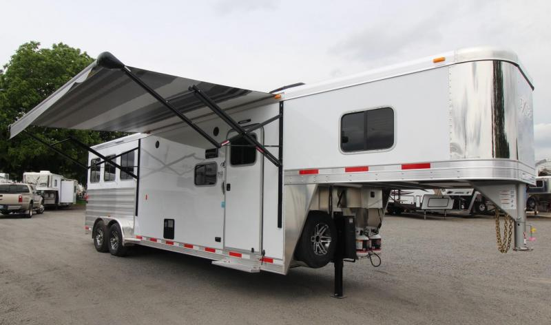"2018 Exiss Escape 7310 - 10' 6"" Short Wall 3 Horse Trailer"