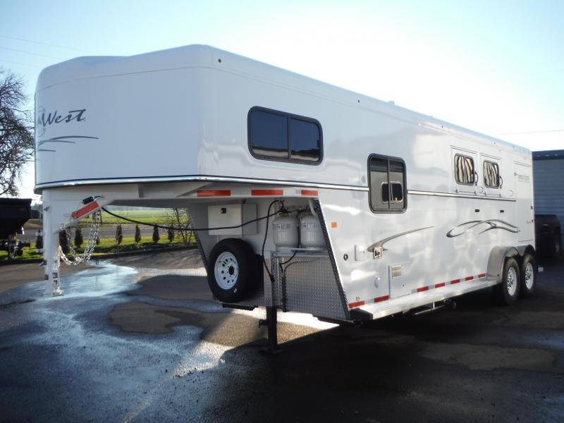 2015 Trails West Classic Specialite 2 Horse - 7 ft LQ - w/ Sidetack and Broom Closet