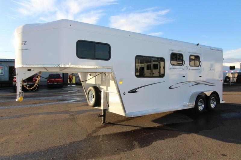 2018 Trails West Classic Specialite 2 Horse - w/ 5x5 Comfort Package - Side Tack