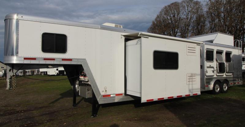 2019 Featherlite 9821 Living Quarters - 15'  w/ Slide Premium Interior 4 Horse Trailer - Easy Care Flooring - All Aluminum- PRICE REDUCED $8050