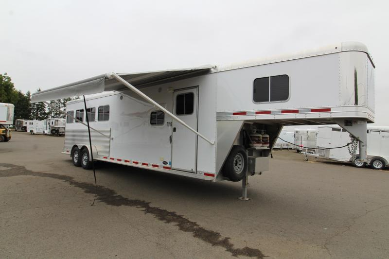 2016 Featherlite 8533 4H 9' SW LQ Horse Trailer - All aluminum construction - 7k Rubber torsion axles - 9ft Short walll
