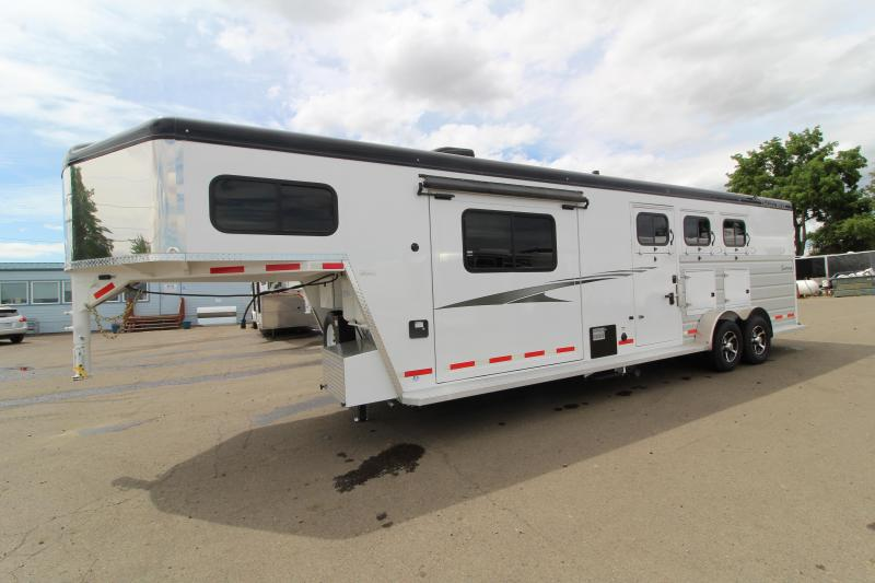 2019 Trails West Sierra 10 x 10 LQ w/ Slide Out 3 Horse Trailer - On Board Generator -7' Wide - with Mangers - LIKE NEW CONDITION USED ONCE!!
