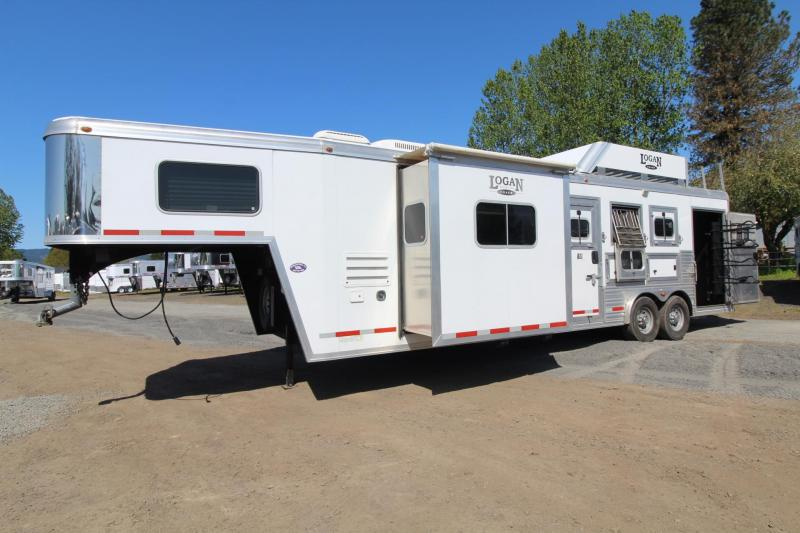 2012 Logan Coach 11 ft Short Wall Living Quarters 3 Horse Trailer - Gas Generator - Hay Rack