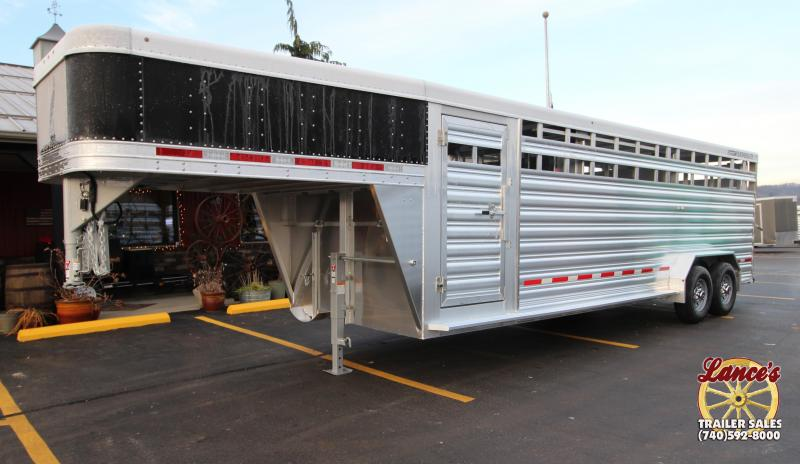 2019 Featherlite 8127 7'x24' Show Cattle Trailer