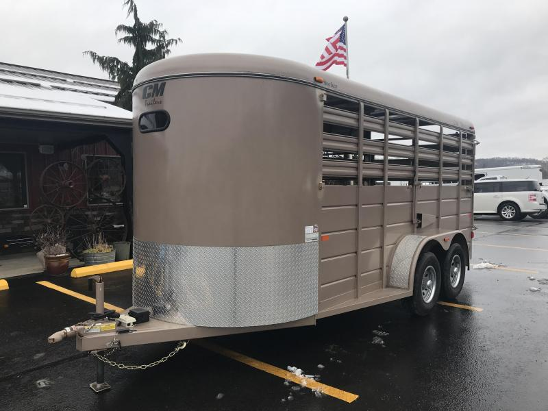 2018 CM 16' Used Livestock Trailer J1025586