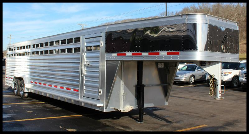 "2017 Featherlite 8127 30' ""Extreme Duty Edition"" Livestock Trailer w/Stainless Nose"