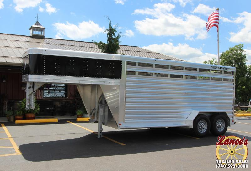 2019 Featherlite 8117 16' Livestock Trailer KC150947
