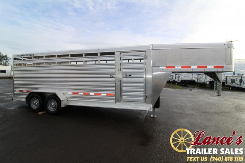 2020 Featherlite 24' Livestock Trailer