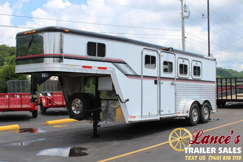 1999 Featherlite 3 Horse GN Slant Load Trailer